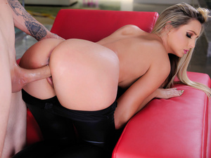 Horny anika anderson stretches her youthful crotch